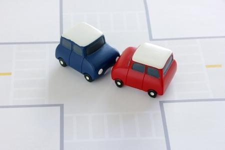 【車運転の基本】信号のない交差点でどちらが優先になるのかまとめてみた