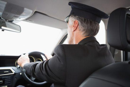 介護タクシーの運転手