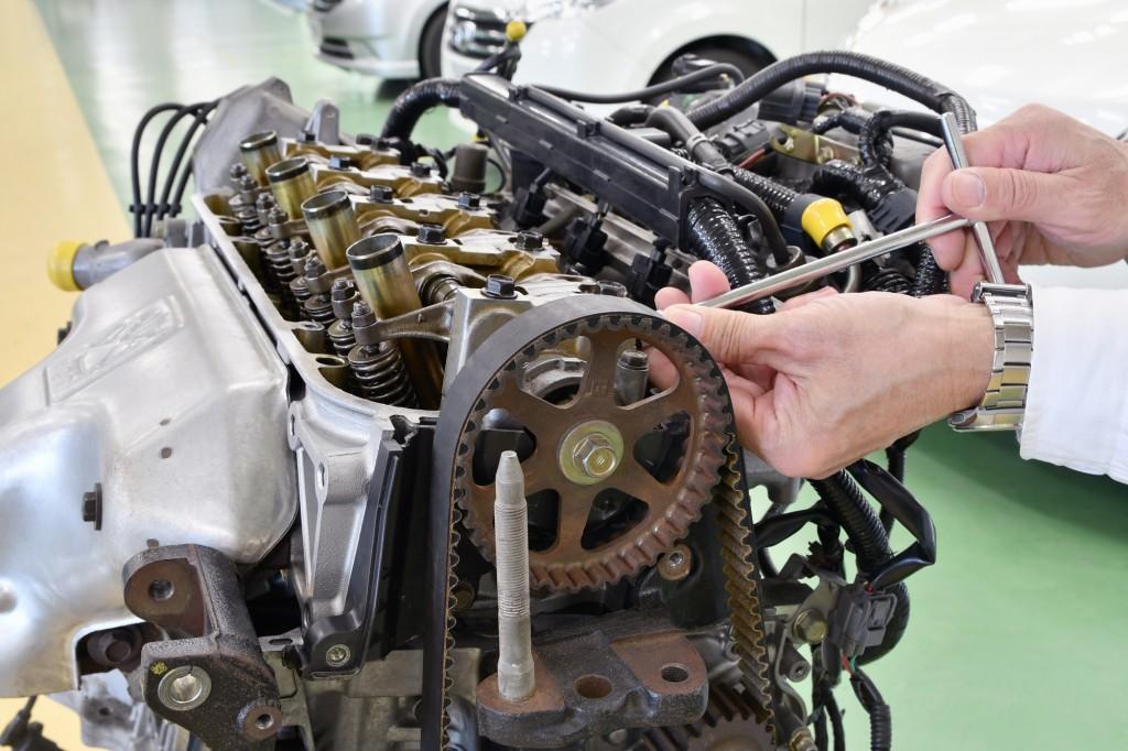 エンジンの組み立て