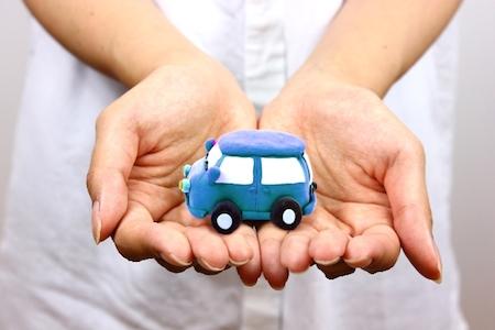 車の盗難防止装置(警報アラーム)が誤作動した時の止め方・解除方法