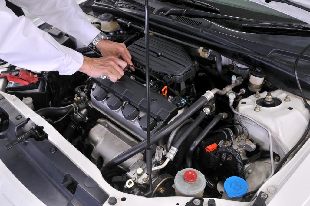 冷却水の交換など車のメンテナンス