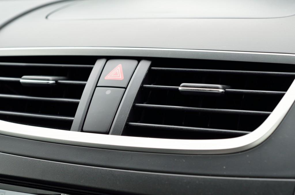 車のエアコンフィルター