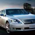LEXUS(レクサス)LSの査定相場紹介~新車で買うと1,000万円オーバー