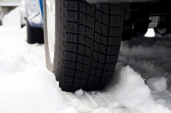 雪道のタイヤ