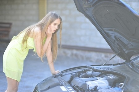 エンジンオイルの漏れ