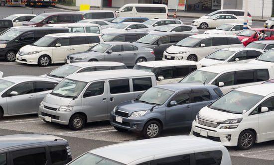 大量の車の在庫