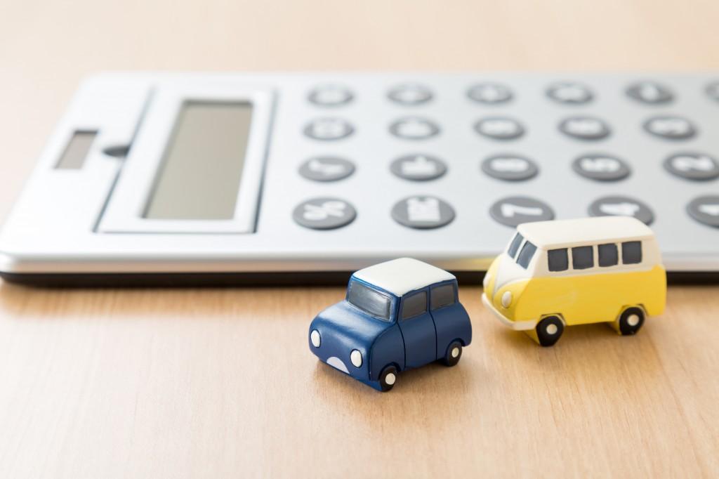 【事例サンプル付き】自動車の減価償却費の計算方法と仕訳の仕方