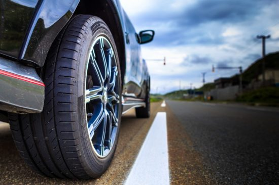 車のタイヤ