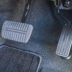 エンジンブレーキを利用するメリット~仕組みと燃費への影響も解説