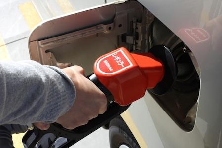 ガソリンスタンドでの給油の仕方・手順(従業員がいるお店ver)