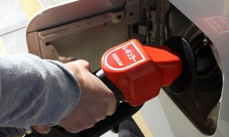ガソリンタンクの水抜き剤