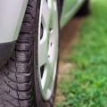 ホイールバランスの調整と四輪アライメント調整の工賃と効果