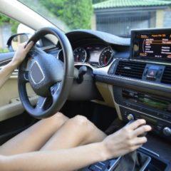 車のハンドル