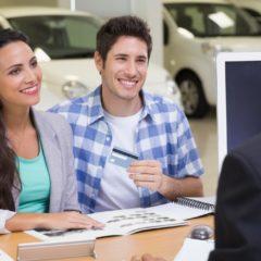 車を購入する時クレジットカードは使えるのか?
